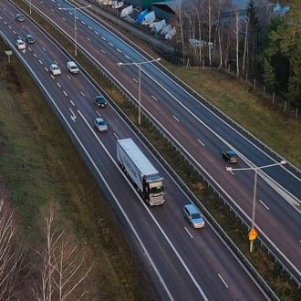 guida autonoma scania in autostrada